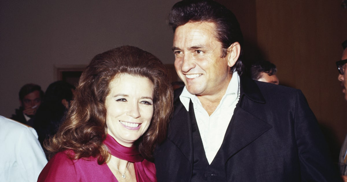 Johnny cash 39 s love letter to wife june carter voted most for Pictures of johnny cash and june carter