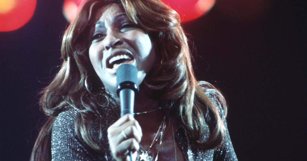 Flashback Tina Turner Turns The Country On For First