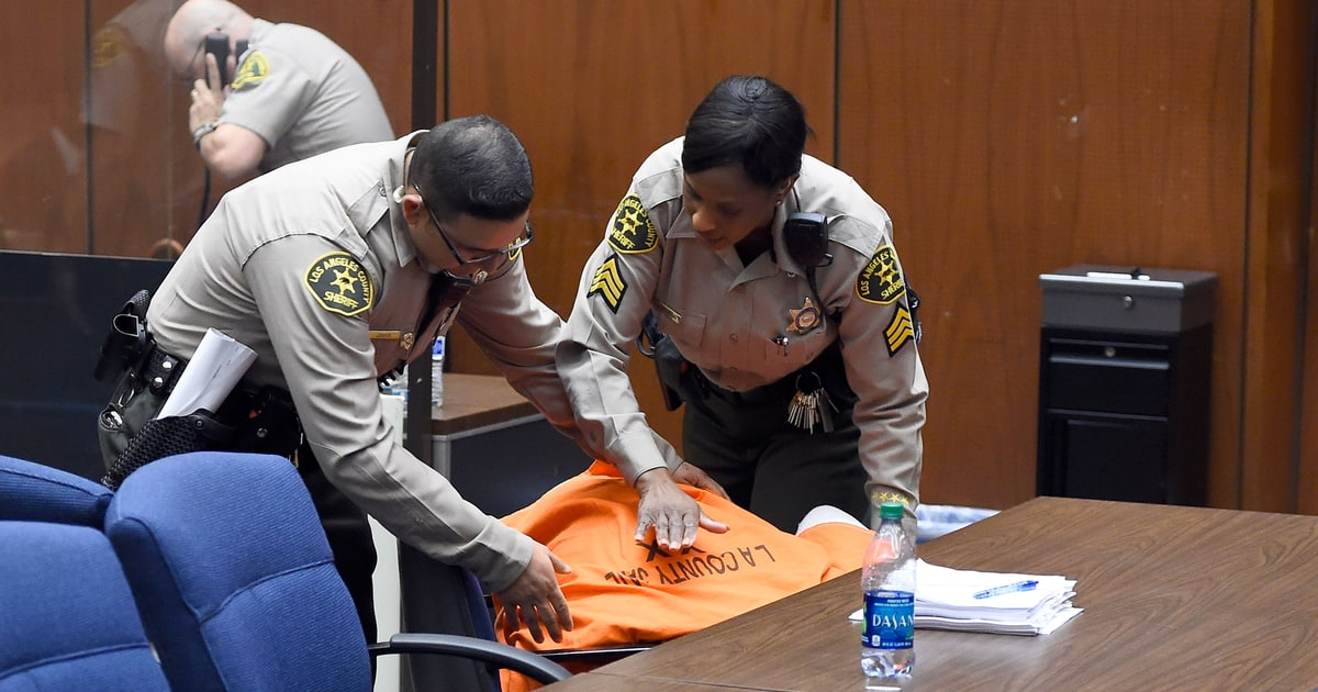 Suge Knight Collapses In Court After Bail Set At 25