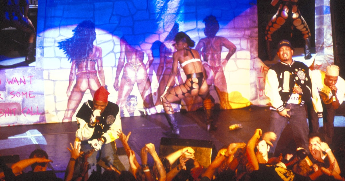 2 live crew sex on stage