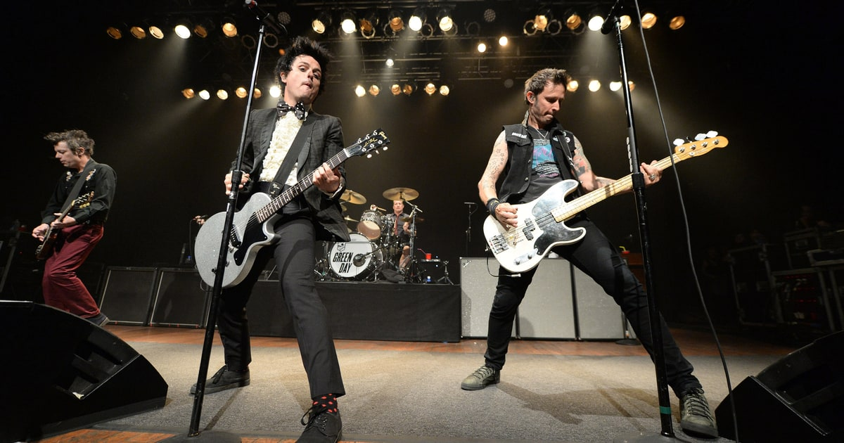 Green Day Return To Stage With Raucous Career Spanning