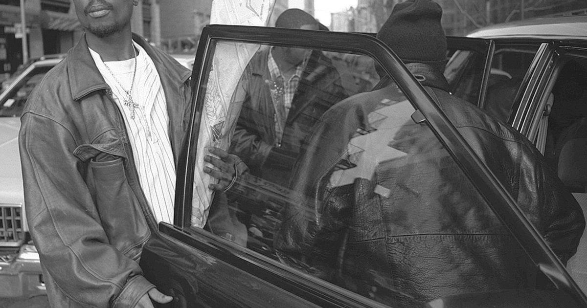 tupac shakur s earnest prison letter selling for  tupac shakur s earnest 1995 prison letter selling for 225 000 rolling stone