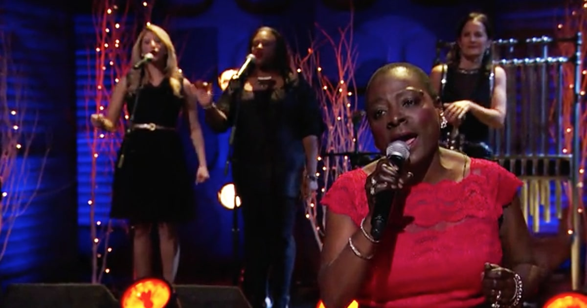 Sharon Jones Pleads 'Please Come Home for Christmas' on 'Conan ...