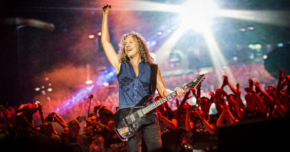 how metallica 39 s kirk hammett is redefining the sound of guitar rolling stone. Black Bedroom Furniture Sets. Home Design Ideas