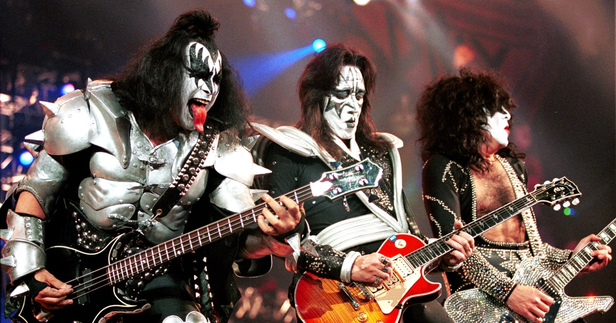 Kiss Farewell Tour  Bands