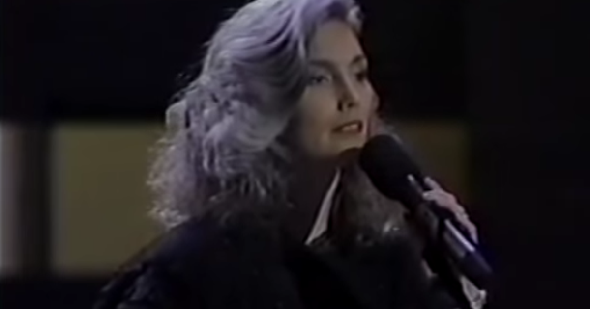 Flashback: See Emmylou Harris Sing for Willie Nelson ... Emmylou Harris In Nederland In 2018
