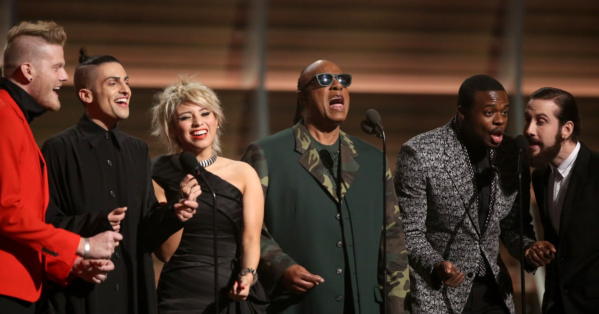 Watch Stevie Wonders Emotional Maurice White Tribute at Grammys news