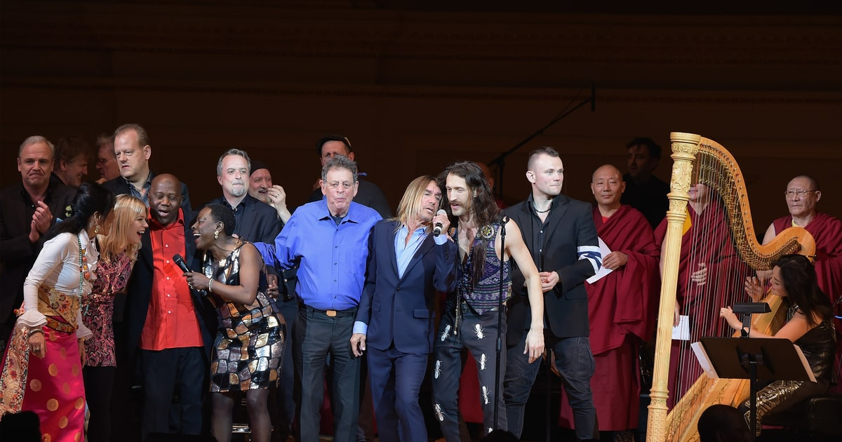 See Iggy Pop, Patti Smith Groups Electric David Bowie Tribute news