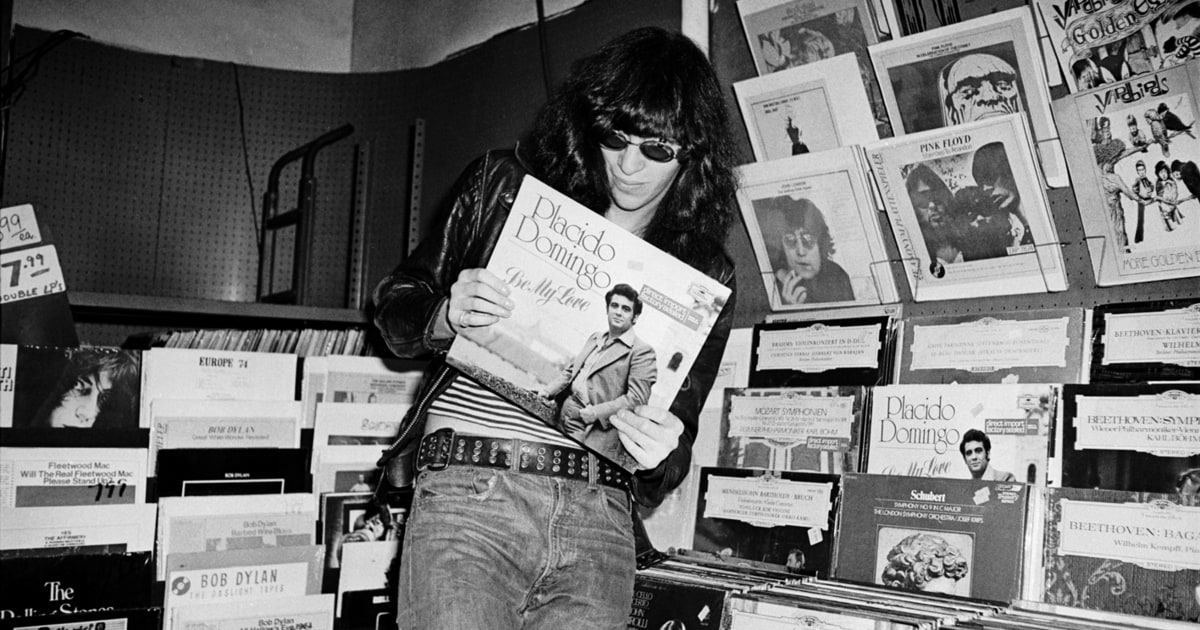 Joey Checks Out Placido Ramones See Rare Photos From