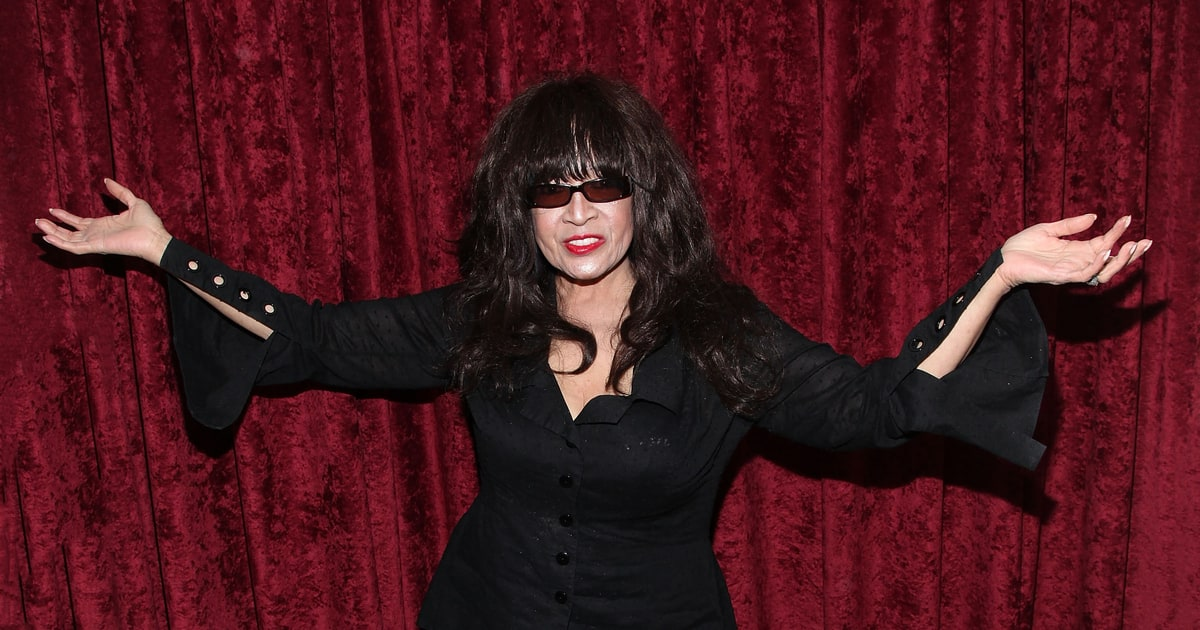 Ronnie Spector on Keith Richards, David Bowie and Life ... Amy Winehouse Live