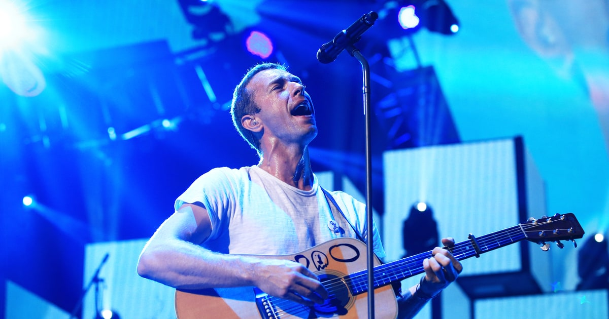 see chris martin cover prince 39 s 39 raspberry beret 39 with eighth graders rolling stone. Black Bedroom Furniture Sets. Home Design Ideas