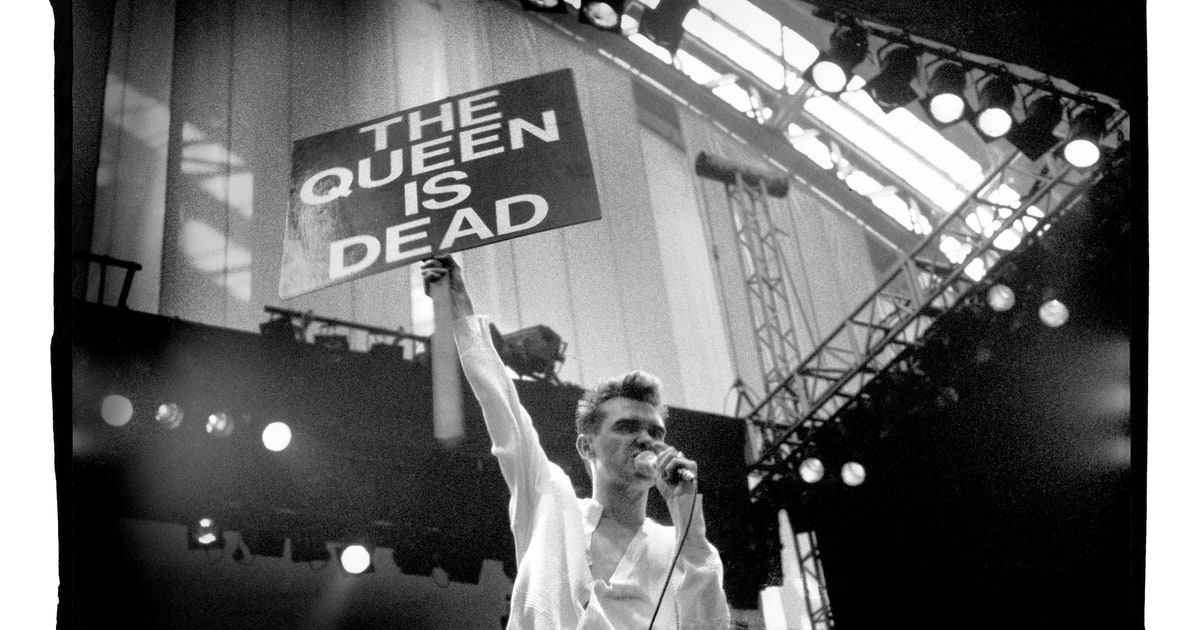 How Smiths' 'The Queen Is Dead' Mixed High Wit, Heavy Drama - Rolling Stone