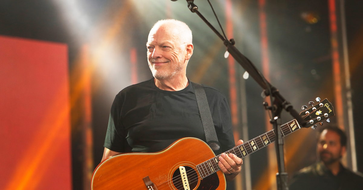see david gilmour play 39 one of these days 39 for first time in 22 years rolling stone. Black Bedroom Furniture Sets. Home Design Ideas