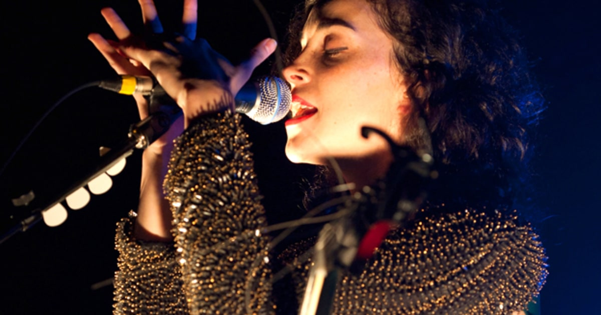 st  vincent cuts loose in new york