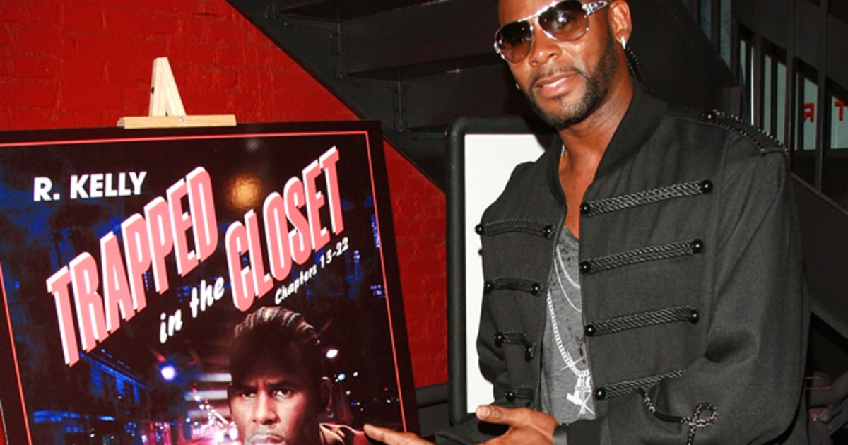 R. Kelly Writes 32 More Chapters of 'Trapped in the Closet ...
