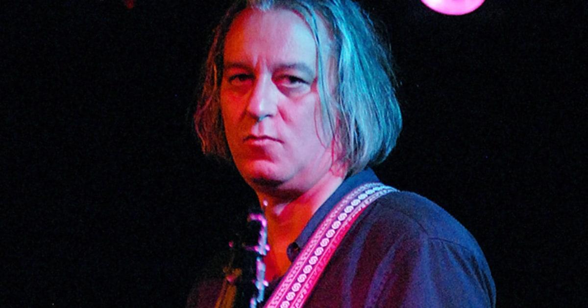 Former R E M Guitarist Peter Buck Announces First Solo