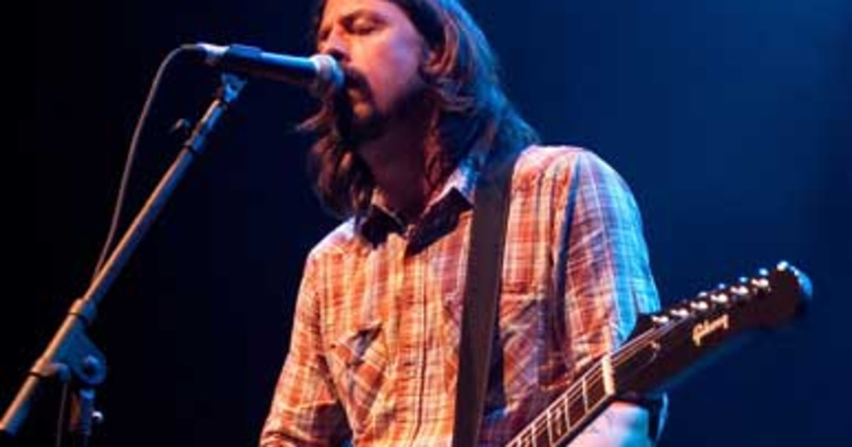 foo fighters reunite play new songs at secret show rolling stone. Black Bedroom Furniture Sets. Home Design Ideas