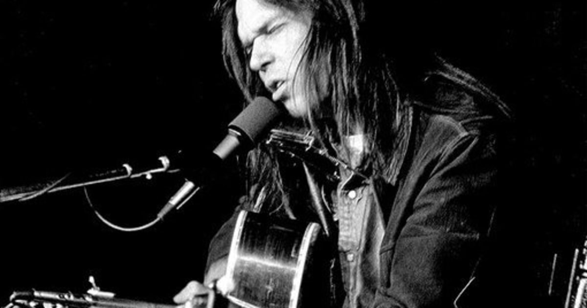 neil young 1995 inductee the rock and roll hall of fame inductees 1986 2015 rolling stone. Black Bedroom Furniture Sets. Home Design Ideas