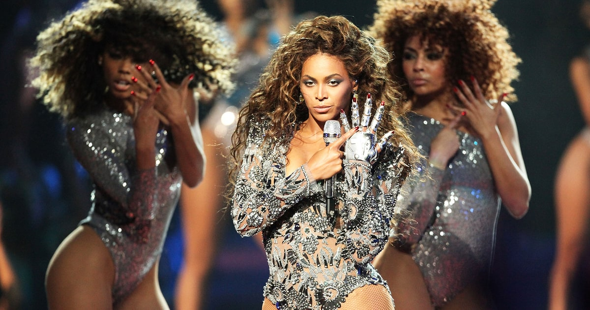 "Watch Beyoncé Turn Up to ""Formation"" Last Night After Her Super Bowl Performance news"