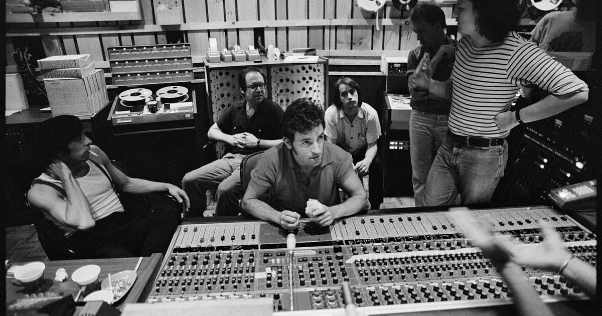 Rob Sheffield On Bruce Springsteen S Exhilarating New