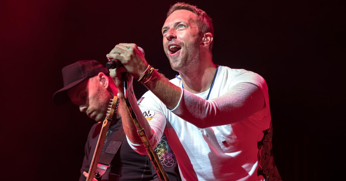 see chris martin sing beatles drake songs in private show