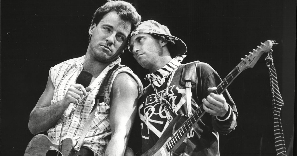 Springsteen Guitarist Nils Lofgren Selling Instruments ...