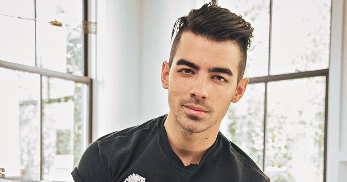 Watch Joe Jonas, Ashley Graham in Steamy 'Toothbrush' Video news
