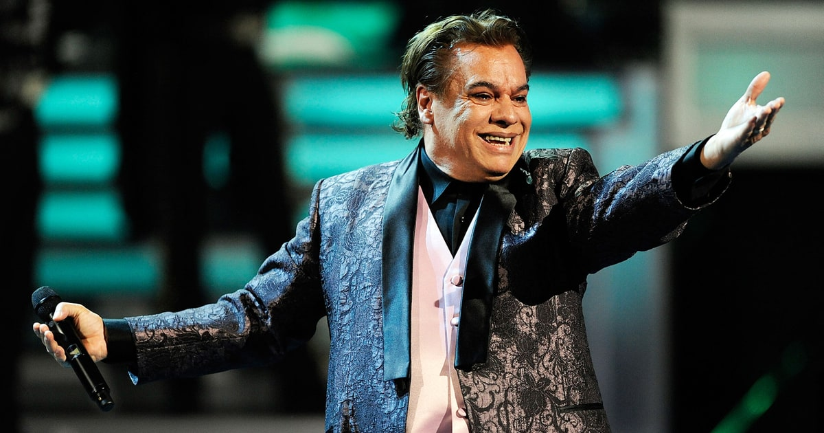 Juan Gabriel, Mexican Music Giant, Dead at 66 - Rolling Stone