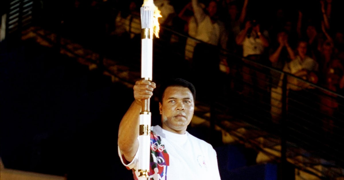 Muhammad Ali: Watch 'The Greatest' Light the 1996 Olympic Torch