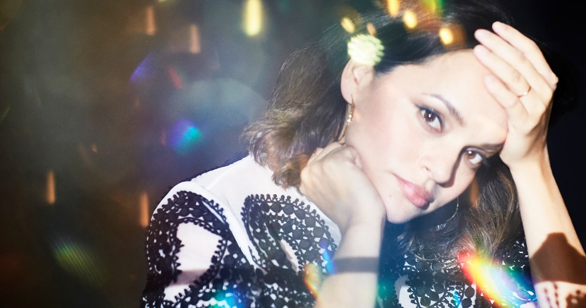 Watch Norah Jones' Breathtaking 'Tragedy' Video news
