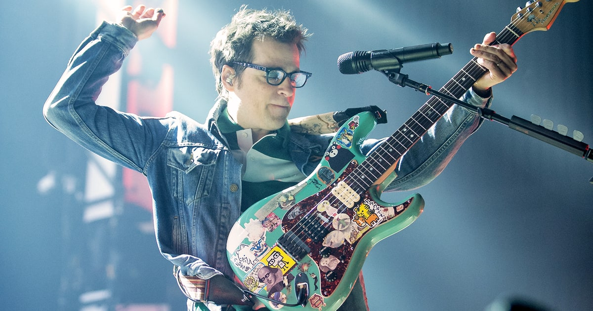 2017 2018 Bowl Games >> Weezer's Rivers Cuomo Preps Second Japan-Only LP - Rolling Stone