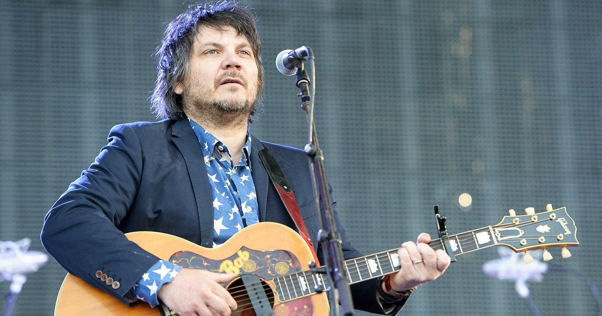 Watch Wilcos Jeff Tweedy Sing Stephen Colbert a Lullaby news