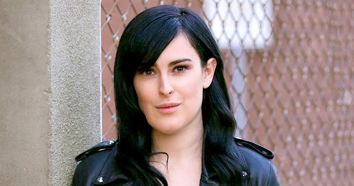Rumer Willis Claims Photographers Photoshopped Her Jaw