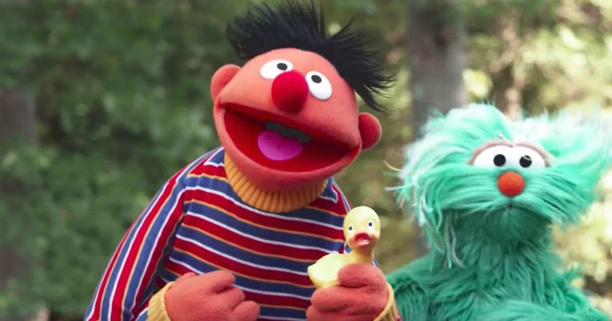 Sesame Street Unveils Adorable Rubber Duckie Despacito