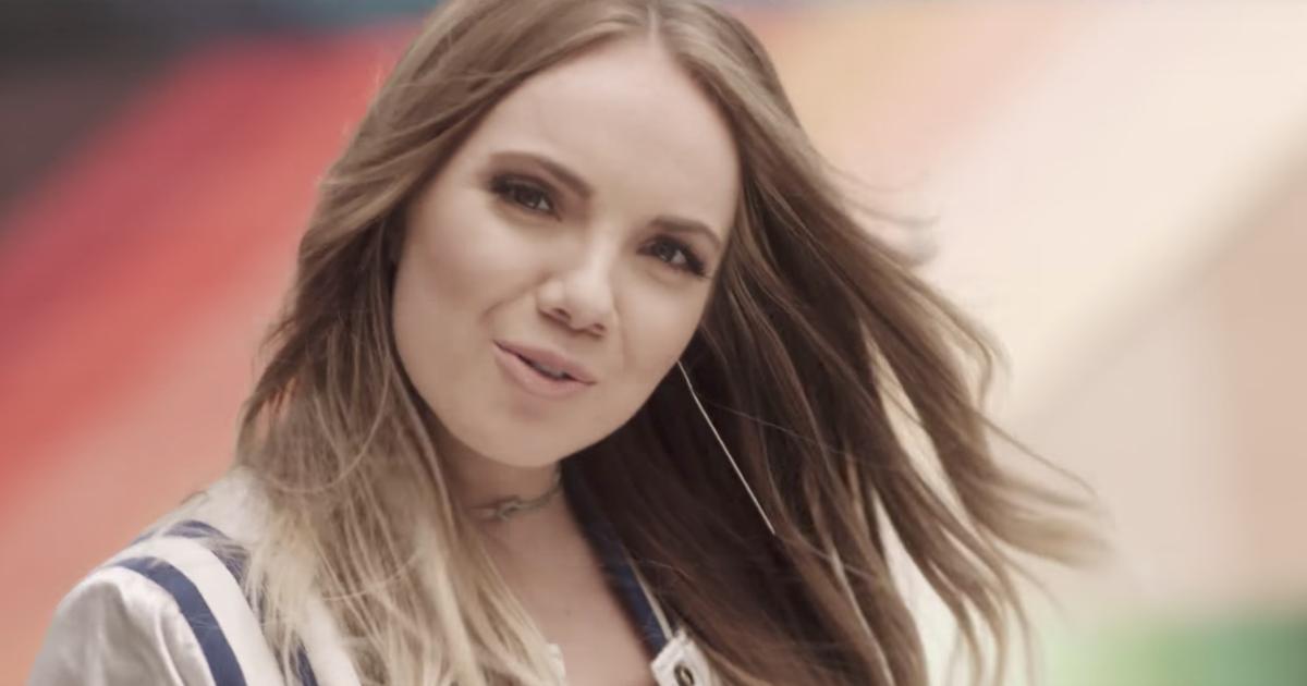 Danielle Bradbery S Sway Watch Video Rolling Stone