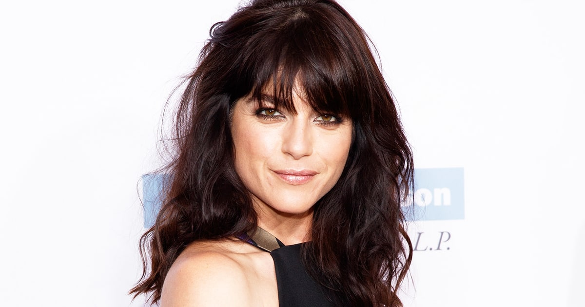 Selma Blair Hospitalized After Outburst On Plane: Report