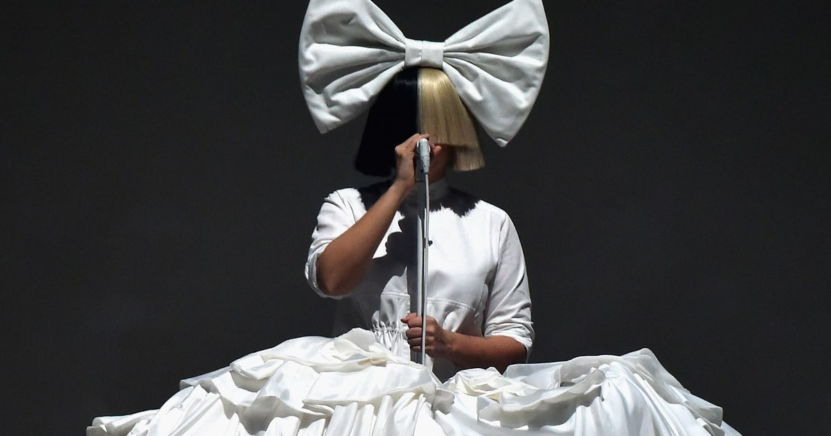 Sia Announces New Chri...