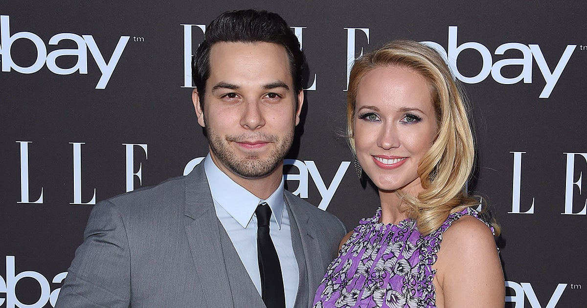 Skylar Astin And Anna Camp Are Engaged See Her Engagement Ring