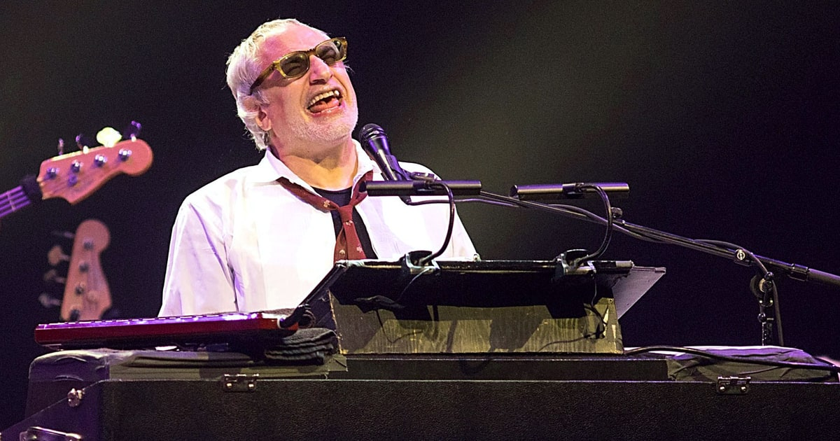 North American Moving >> Steely Dan Announce Tour Following Walter Becker's Death - Rolling Stone