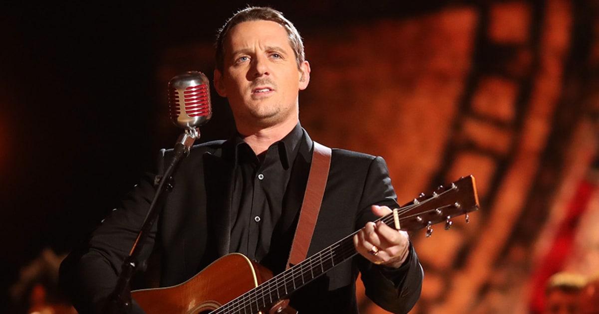 Sturgill Simpson Maren Morris Big Winners At 2017 Grammys