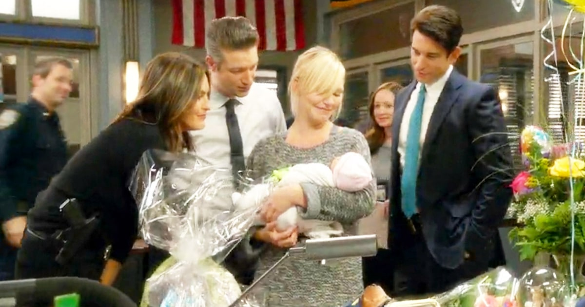 Law Amp Order Svu S Rollins Awkwardly Debuts Her Baby To