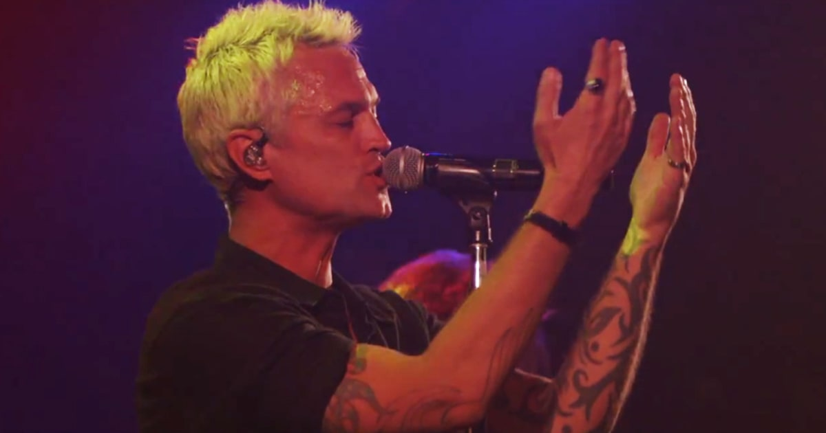 Watch Stone Temple Pilots Live Debut With New Singer