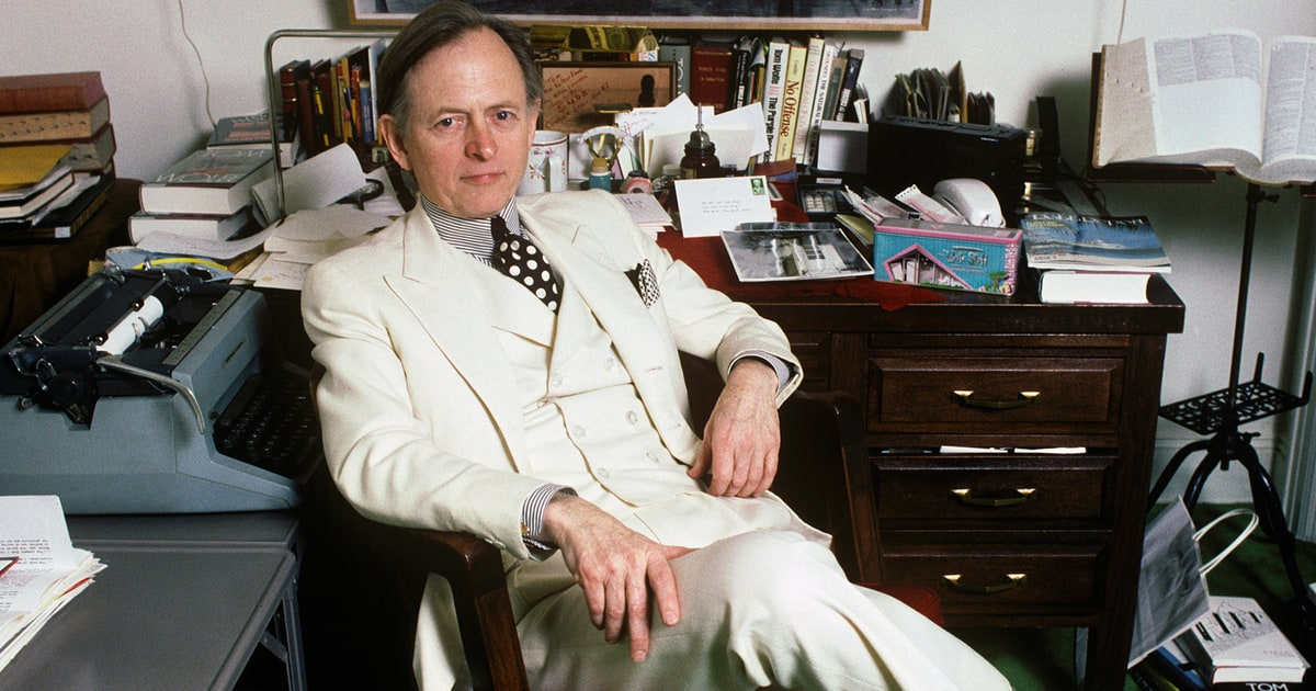 Tom Wolfe, 'Right Stuff' Author and New Journalism Legend, Dead at 87