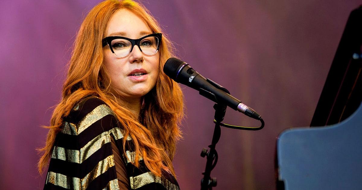 Hear Tori Amos Haunting New Song Reindeer King