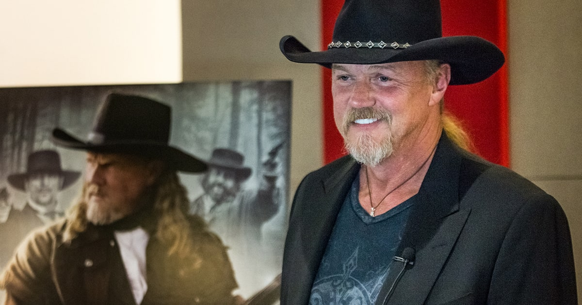 trace adkins - still a soldier