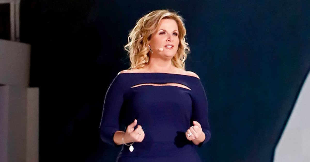 39 the passion 39 live blog surprises from fox 39 s jesus for Trisha yearwood wedding dress