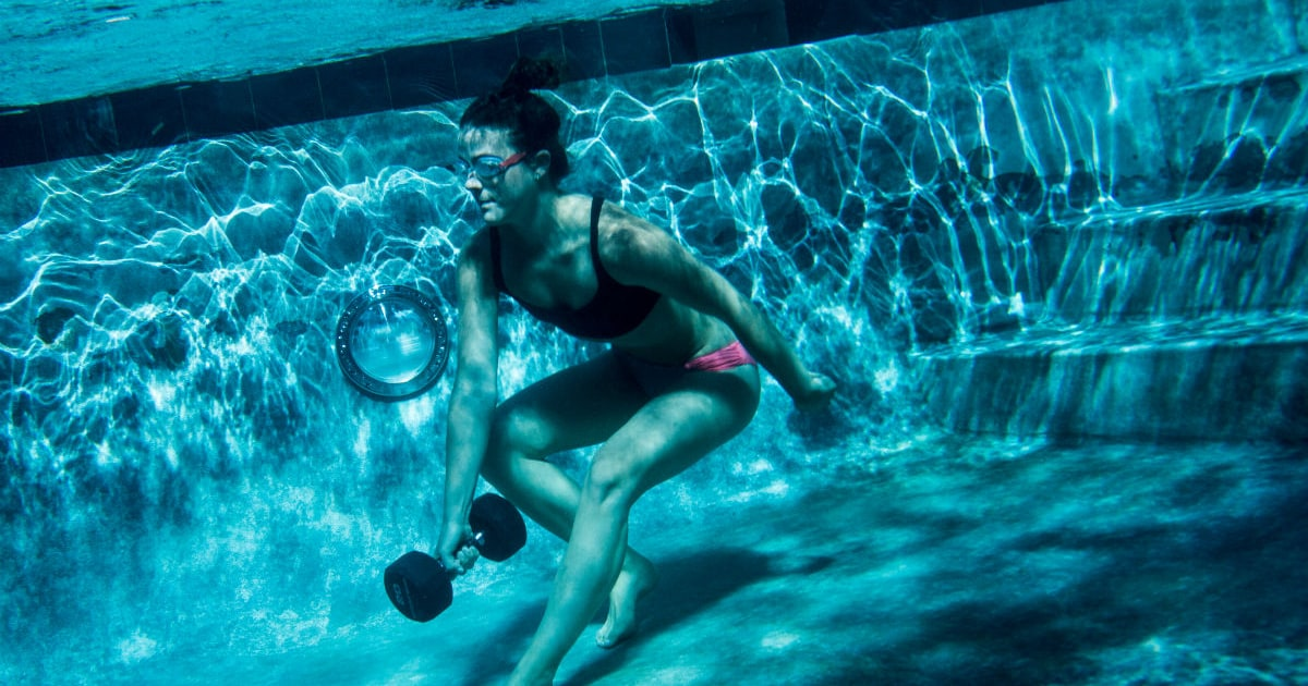 A Killer Strength Workout In The Pool Men 39 S Journal