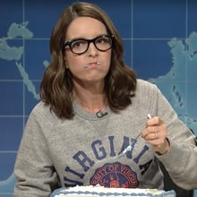 Watch Tina Fey Take Out Charlottesville Angst on Sheet Cake on 'SNL'