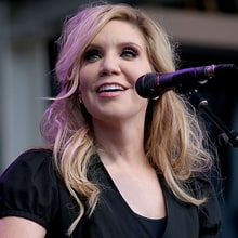 Hear Alison Krauss' Wistful Cover of Osborne Brothers' 'Windy City'