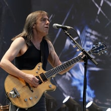 Flashback: AC/DC's Last Show With Malcolm Young
